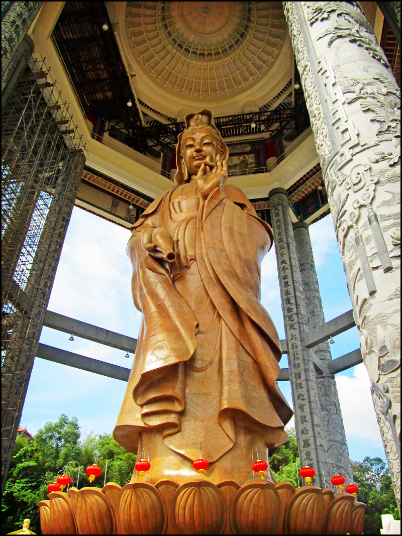 Penang Isle: The Goddess of Mercy\'s Garden   Perspective of Penang