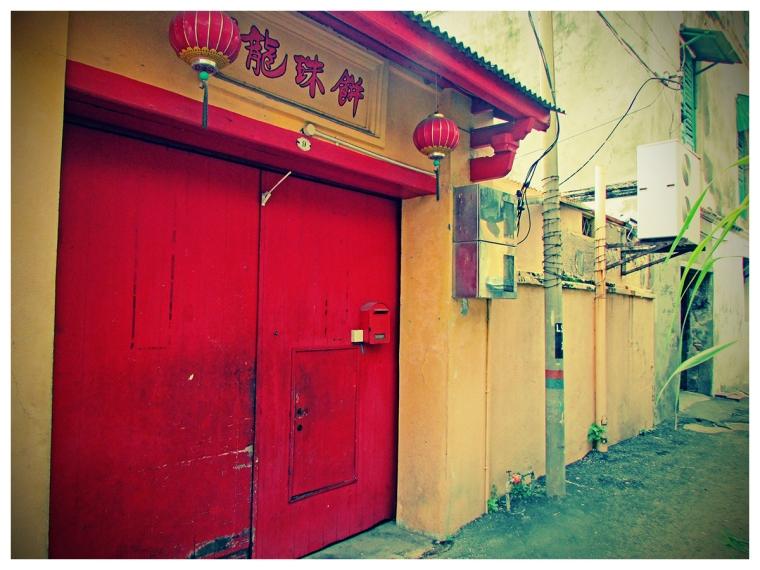 oldreddoor