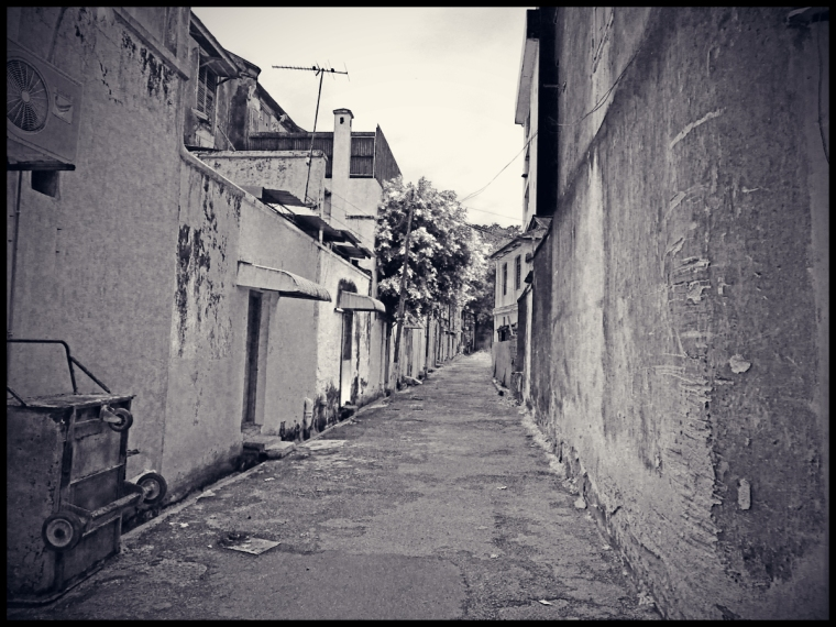 alley13