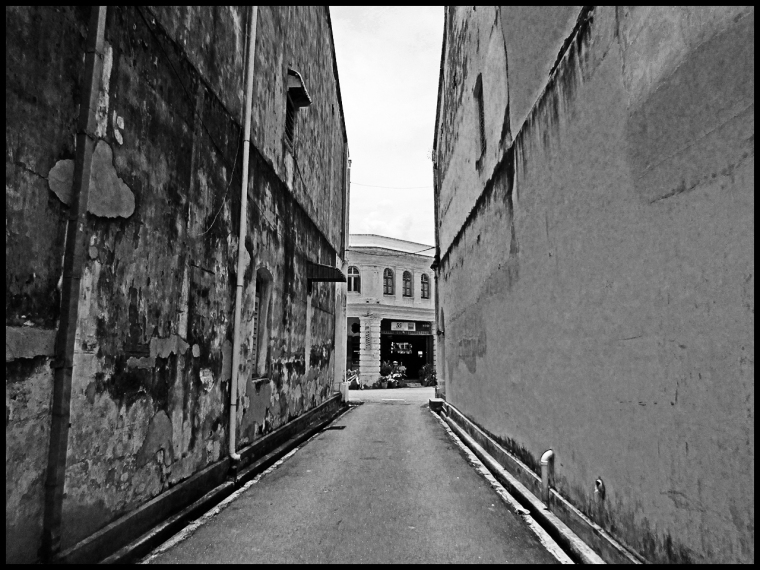 alley15